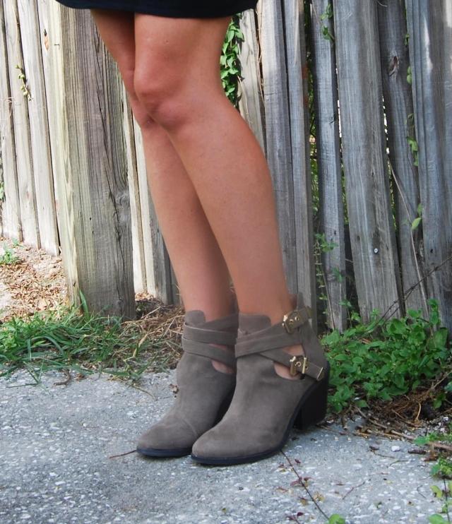 4black dress | three wishes style